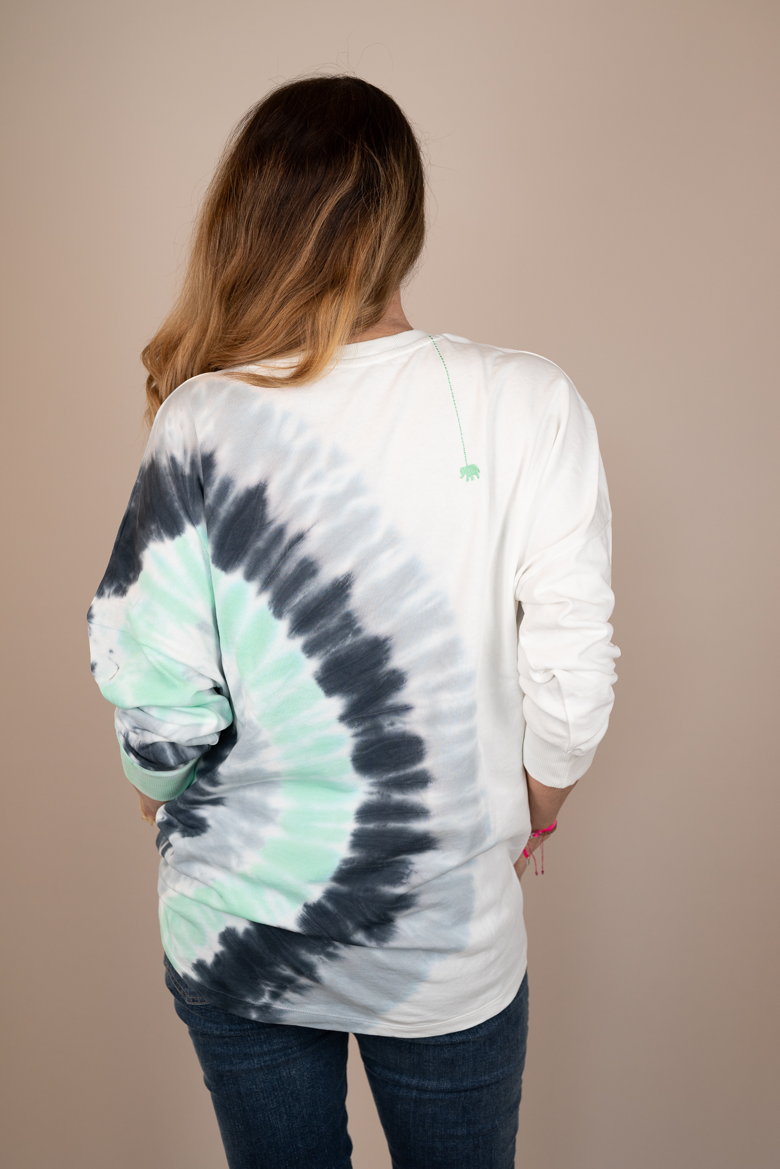LOVE JOY VICTORY Sweatshirt Batik